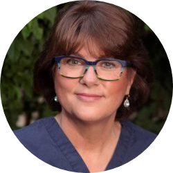 Dr. Rebecca Perlow headshot
